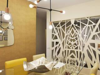 Projecto de Design de Interiores e mobiliário - apartamento de Férias no coração da cidade da Figueira da Foz Salas de jantar modernas por Victor Bertier Design Moderno