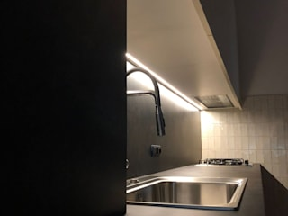Dettaglio cucina: Cucina attrezzata in stile  di Studio Forma