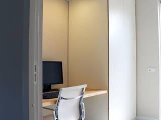 Maatwerk meubilair: modern  door studiomaudy, Modern