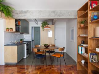 INÁ Arquitetura Muebles de cocinas Madera Verde