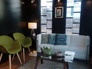 Caladas del arroyo: Oficinas y tiendas de estilo  por Diseño e Interiorismo