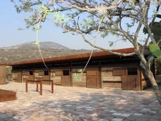 RANCHO LA NOPALERA: Casas de estilo  por Tema Arquitectos