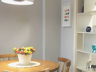 Apartamento SS: Salas de jantar ecléticas por Studio Casa Azul