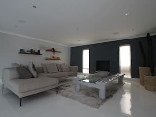 SE Project Modern living room by Audio Visual Projects (PTY) Ltd Modern