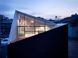 Houses by FUTURE STUDIO, Modern