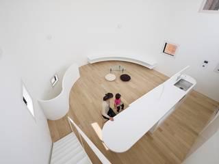 光舞台の家: FUTURE STUDIOが手掛けたダイニングです。