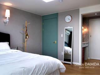 Moderne Schlafzimmer von 디자인담다 Modern