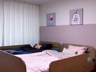 Moderner Multimedia-Raum von 디자인담다 Modern