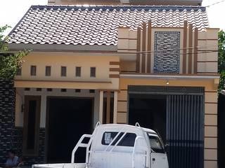 Pembangunan rumah tinggal :  Rumah by CV. ARRAHMAN CONSTRUCTION