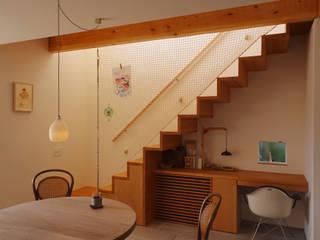 笠舞本町の家: 有限会社建築計画が手掛けた階段です。
