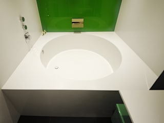 Round Corian Bath:  Bathroom by Solidity Ltd