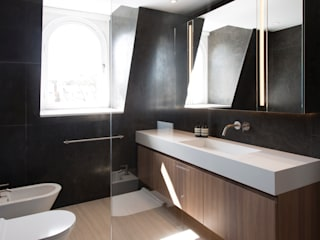 House in Notting Hill:  Bathroom by Solidity Ltd