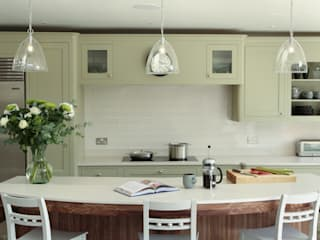 Surbiton, Surrey Classic style kitchen by INTERIORS:designed Classic