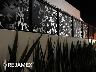 Reja INFINITI Modelo RMXNATURE018-001: Casas de estilo minimalista por Rejamex