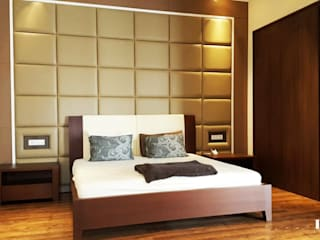 Likha Interior Modern style bedroom Plywood Brown