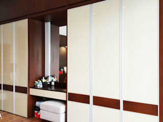 Likha Interior Modern dressing room Plywood Wood effect