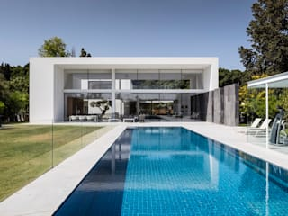 L´alliance des matières Moderne Pools von Ecologic City Garden - Paul Marie Creation Modern