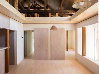 Salon original par 1-1 Architects 一級建築士事務所 Éclectique