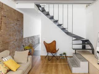 Salón: Salones de estilo  de Abrils Studio