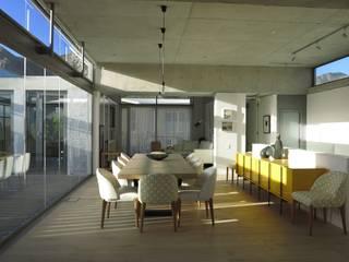 House Grotto Beach, Voëlklip Modern dining room by Van der Merwe Miszewski Architects Modern