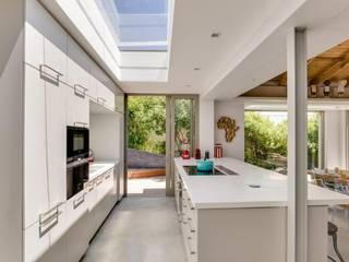 Clifton Beach House 3, Clifton Fourth Beach by Van der Merwe Miszewski Architects Modern
