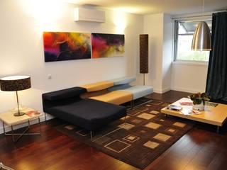 Sala de Estar/ Lazer: Salas de estar  por Nuno Ladeiro, Arquitetura e Design