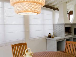 Espaço exterior coberto : Jardins de Inverno rústicos por Tangerinas e Pêssegos - Design de Interiores & Decoração no Porto