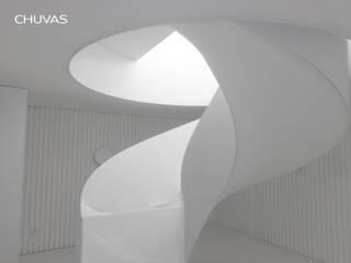 Bahamas House: Escadas  por CHUVAS arquitectura,Mediterrânico