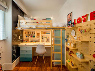 Modern style bedroom by Raquel Junqueira Arquitetura Modern