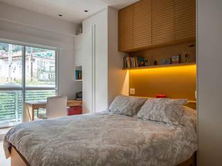 臥室 by Raquel Junqueira Arquitetura, 現代風