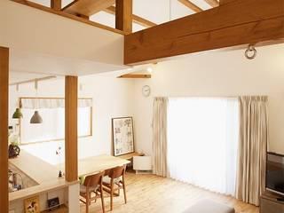 2世帯の集う場を手に入れた2階リビング: 株式会社スタイル工房が手掛けたです。