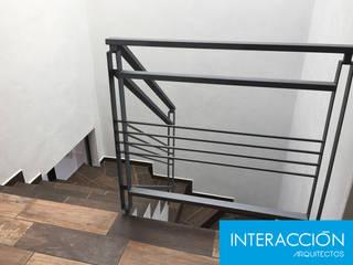 Residencia IAY de Interacción Arquitectos Moderno