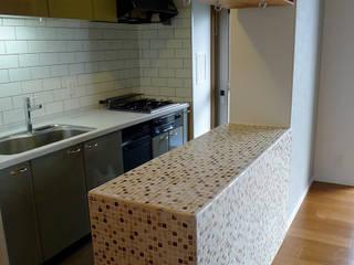 I邸リノベーション: meenaxy design一級建築士事務所が手掛けたキッチン収納です。,
