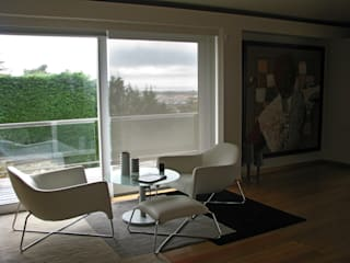 Casa Maurício de Vasconcelos: Salas de estar modernas por Nuno Ladeiro, Arquitetura e Design