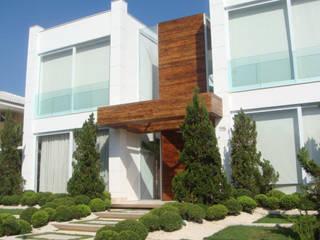 by Renata Esbroglio Arquitetura Modern
