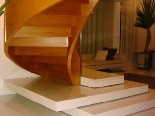 by Renata Esbroglio Arquitetura Eclectic