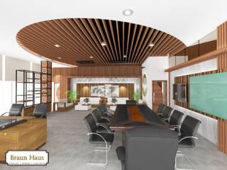 Timber office Ruang Studi/Kantor Gaya Asia Oleh Braun Haus Asia