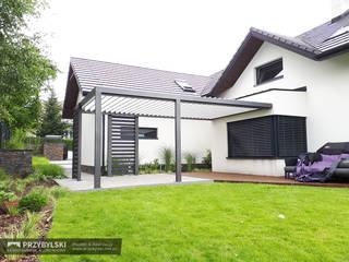 P.W. Przybylski Balcon, Veranda & Terrasse modernes Aluminium/Zinc