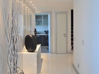Apartamento na Torre de São Gabriel, Parque das Nações, Lisboa por Nuno Ladeiro, Arquitetura e Design Moderno