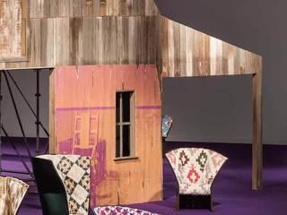 Le fauteuil Feltri édité par Cassina, icône du design moderne:  de style  par Création Contemporaine