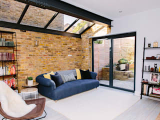 A Lovely Victorian Maisonette Ruang Keluarga Modern Oleh Resi Architects in London Modern