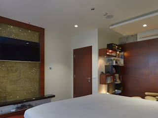 Home Residential:  Bedroom by Creative Geometry