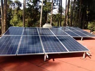 Integración de sistemas de ahorro de energía: Casas ecológicas de estilo  por Green Lightech Co.