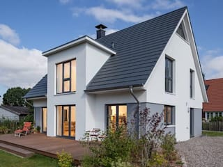 Scandinavian style houses by 誠實建築 Scandinavian
