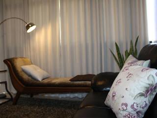 Consultório de Piscanalise RM Clínicas modernas por Karina Christofaro Arquiteta Moderno
