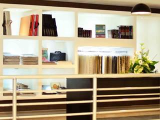 Loja de produtos de decoração Ambiental Decor: Lojas e imóveis comerciais  por Karina Christofaro Arquiteta,Moderno