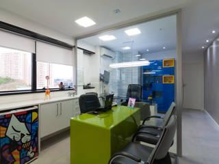 Study/office by Bernal Projetos - Arquitetos em Salvador, Modern