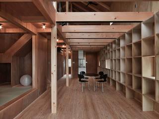 I-house 1階内観: 株式会社 森本建築事務所が手掛けたダイニングです。
