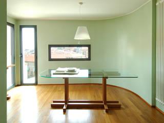 Casa A, Milano Kazuyo Komoda (Design Studio) Sala da pranzoTavoli