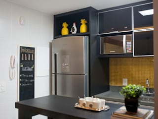 Kitchen units by INOVA Arquitetura